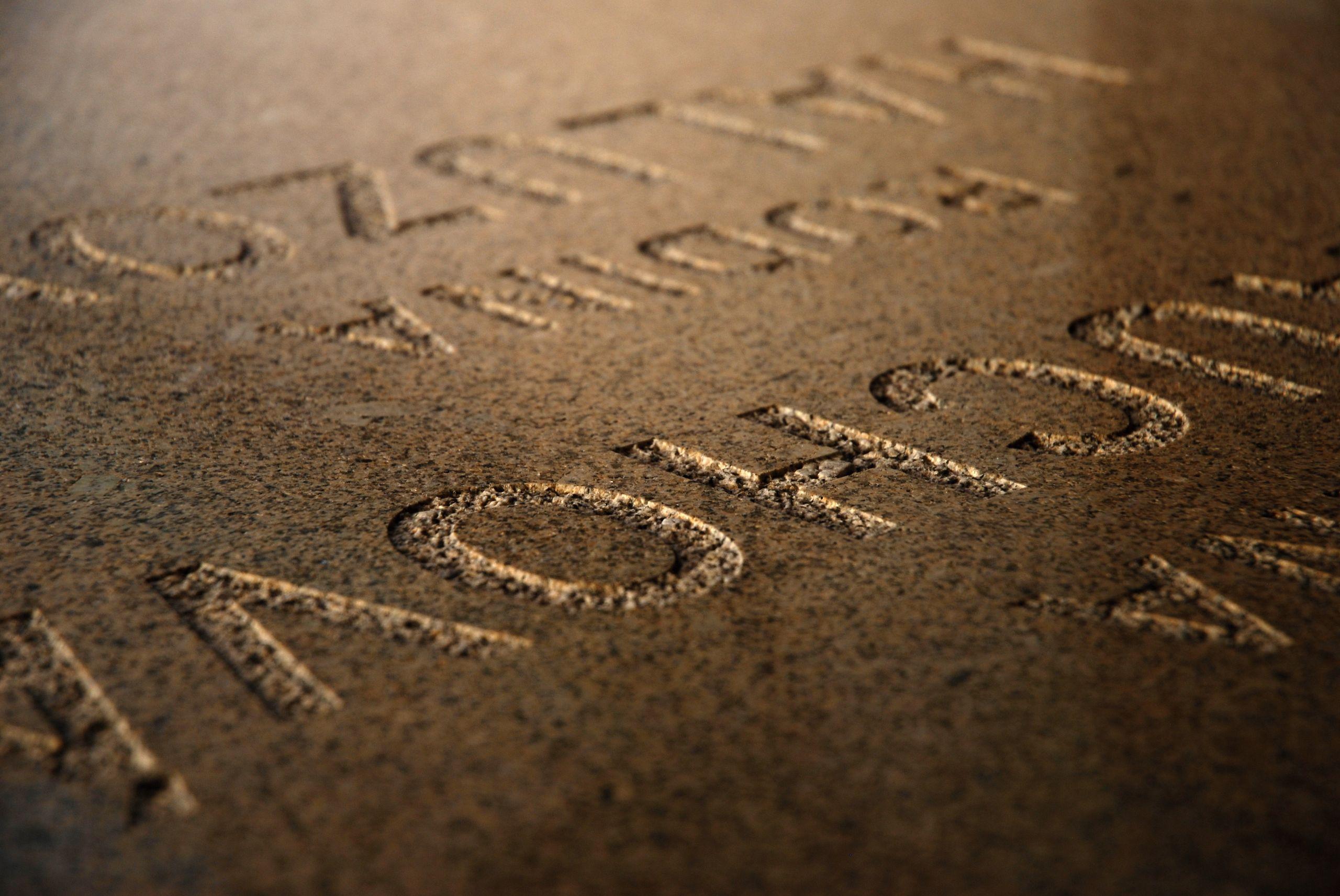 Kamenárstvo Kratochvíla | Pieskované písmo